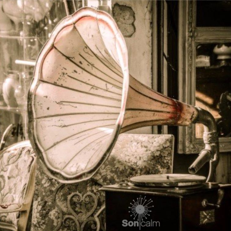 SONICALM - GLORYBOX, musical selection by Rebaluz. Tuesdays 15:00 at Ibiza Sonica Radio